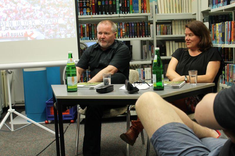 Mittendrin – Fußballfans in Deutschland : Lesung