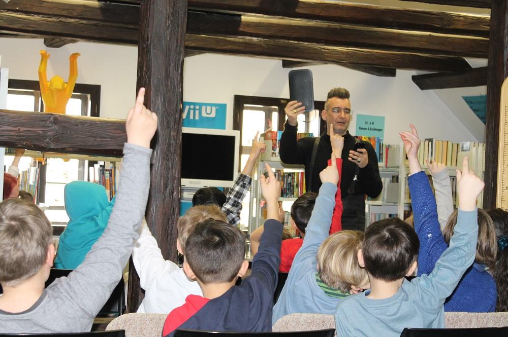 Lesung für Grundschüler mit dem Autor Michael Stavaric