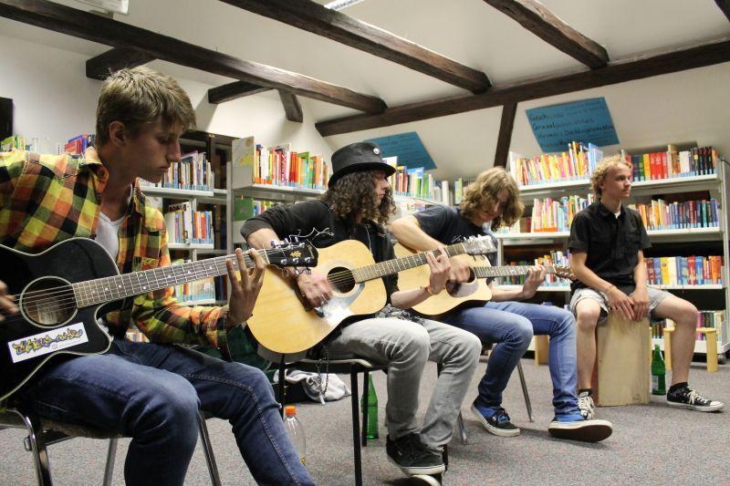 HELLVEAN - Rockband