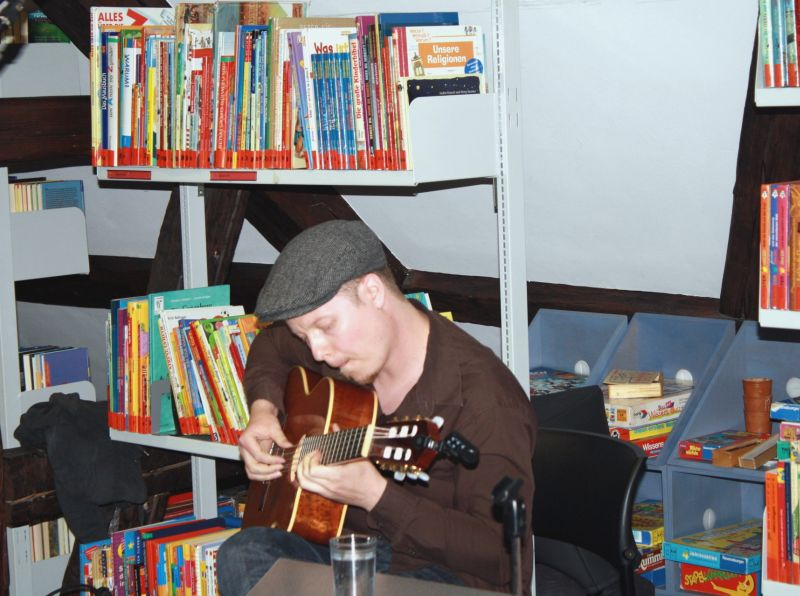 Poetry Slammer Sebastian 23 und Autor Christian Rosenau